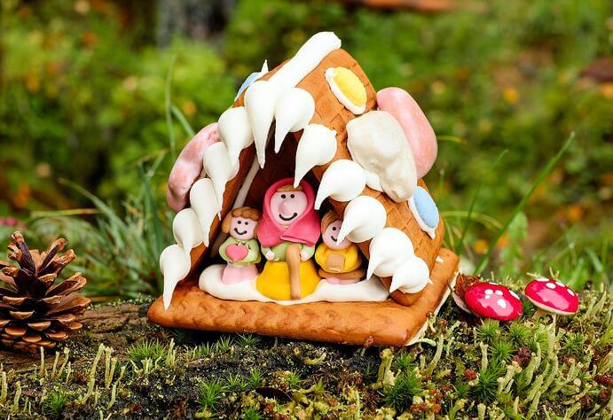 Christmas Architecture: How to built your own Gingerbread House